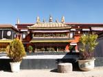 L'intérieur du temple du Jhokang
