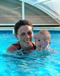 Samen met Marieke zwemmen.