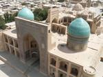 La medrassa Mir-i-Arab, vue depuis le Kalon Minaret, à Bukhara