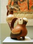 De magnifiques pièces provenant des colonies au Museo de America. Herkenbare poterie.